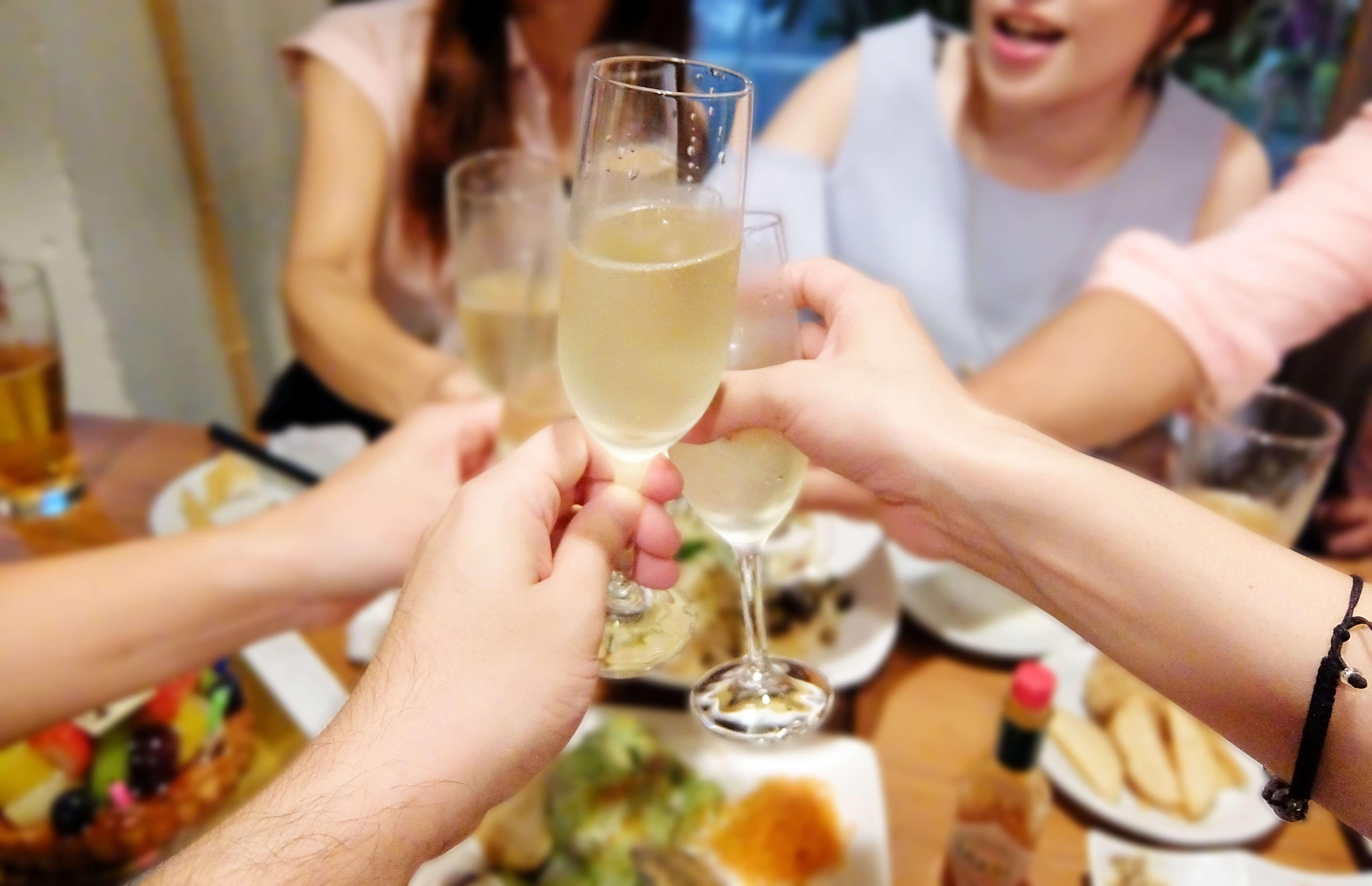 話題の婚活パーティーは現代の縁結びの場と成り得るか?