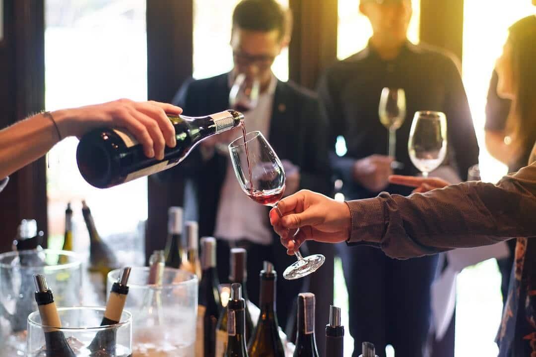 プレミアと独身限定ワイン会・日本酒会の紹介